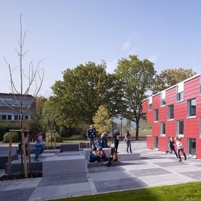 Schulhof der IGS Salmtal